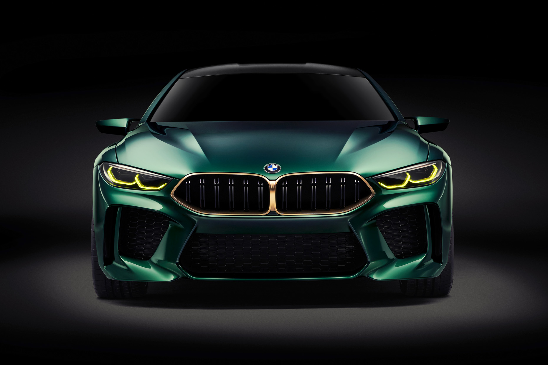 03_01_BMW_Concept_M8_Gran_Coupe_Front