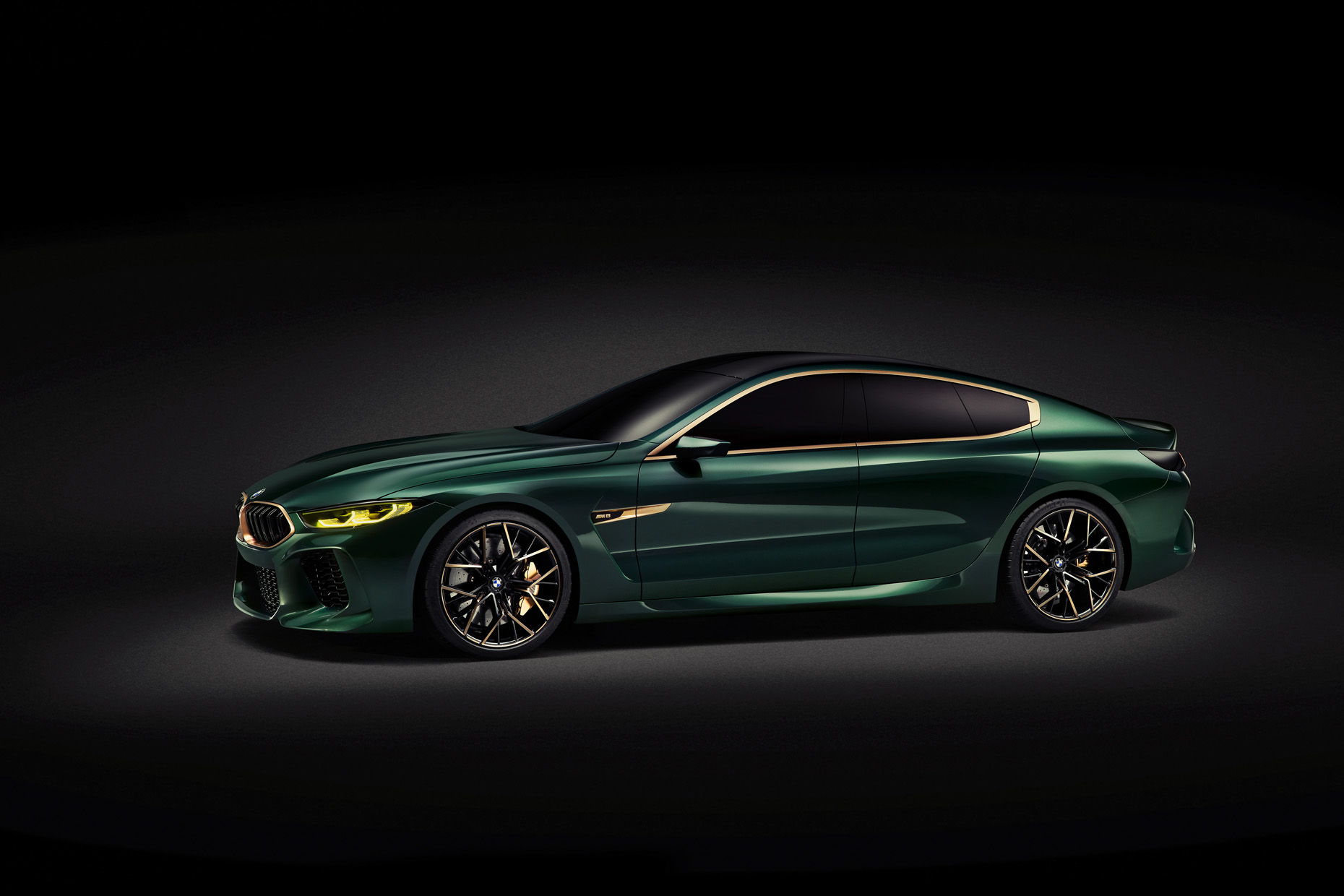 05_02_01_BMW_Concept_M8_Gran_Coupe_34Front_03_V1