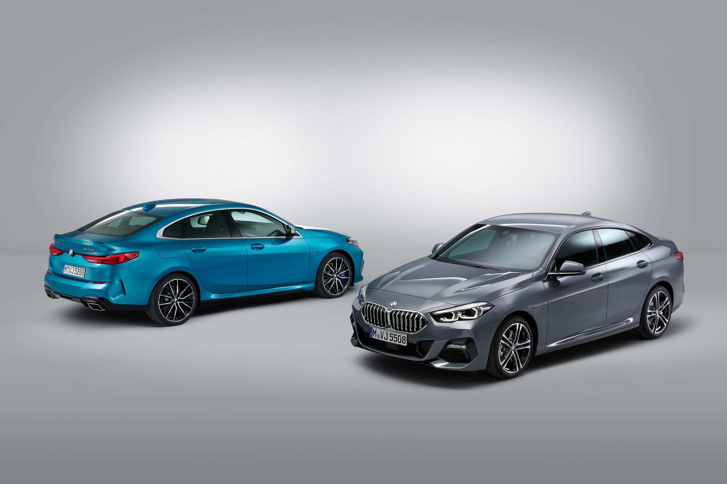 1_BMW_M235i_xDrive_and_BMW_220d_web