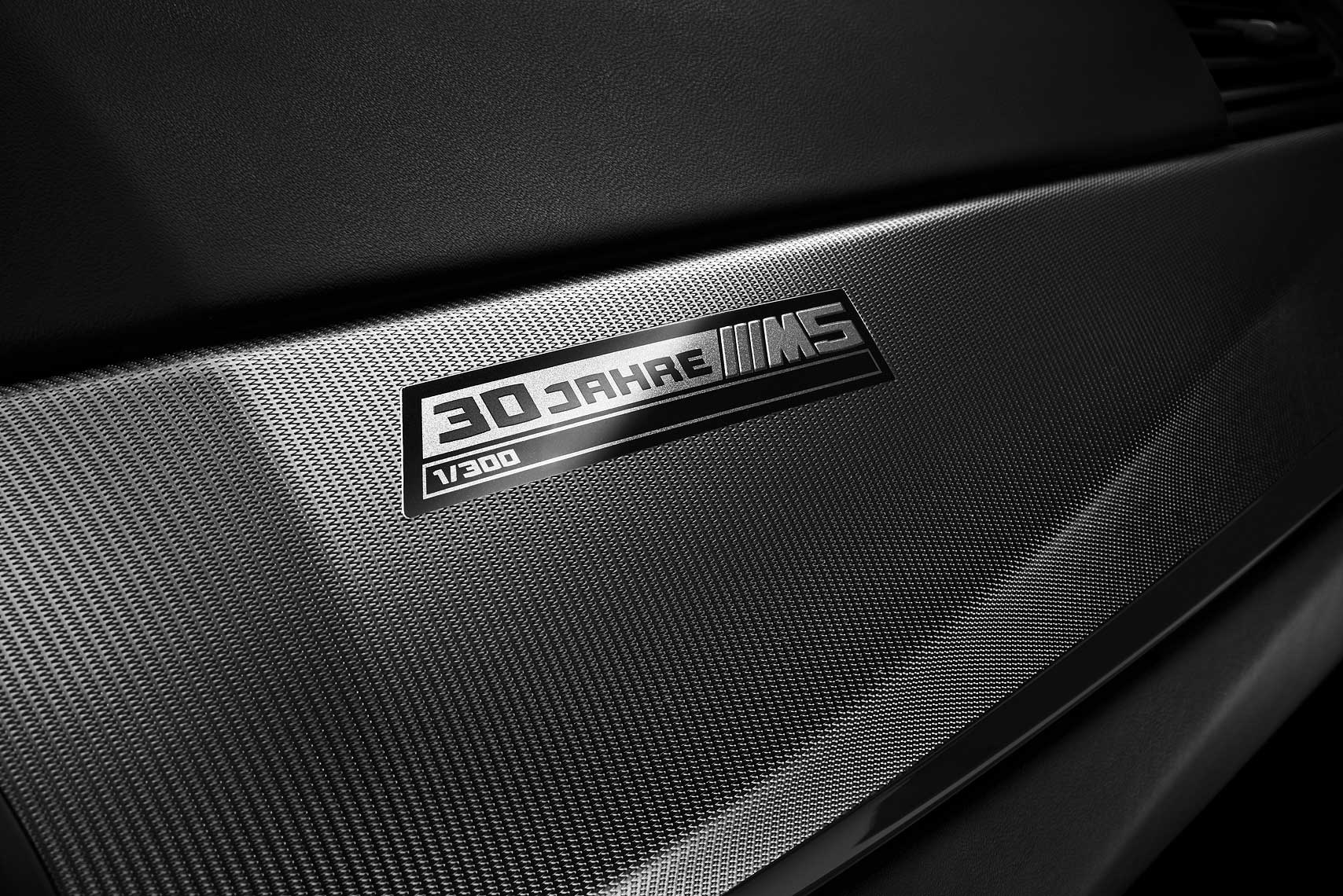 BMW_M5_30Edition_Int_Badge_RGB_A4_FIN.